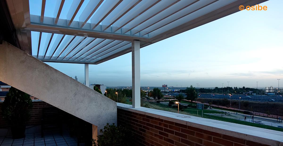 Galeria de im genes de p rgolas y cerramientos - Pergola terraza atico ...